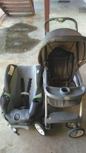 Graco child car seat with 2 cup holders and a safety first child stroller for Sale in Nashville, TN