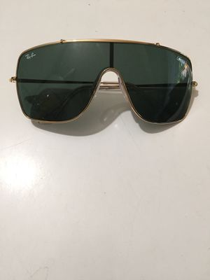 New Ray Ban WING2 Sunglasses $90obo SPECIAL EDITION for Sale in Lynwood, CA