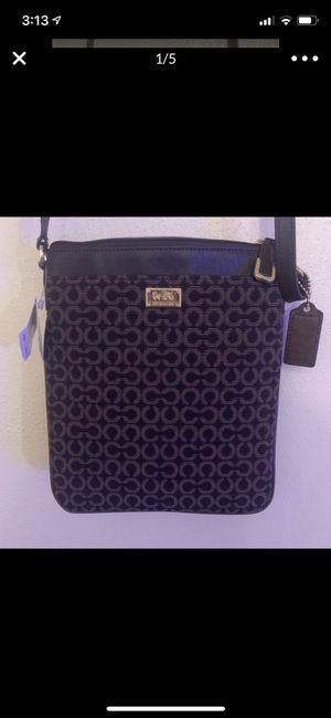 Coach Crossover Purse for Sale in Saint Francis, WI