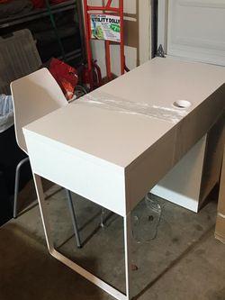 IKEA Desk - Pending Sales for Sale in Everett, WA
