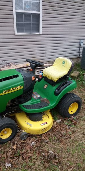 John deere riding mower L110 for Sale in Paragould, AR