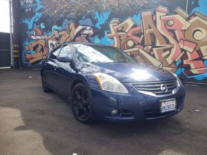2011 nissan Altima 2.5 for Sale in East Los Angeles, CA