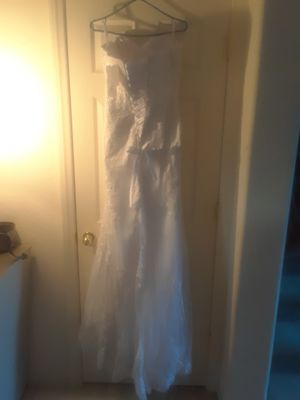White Lace strapless Wedding Dress New for Sale in North Las Vegas, NV