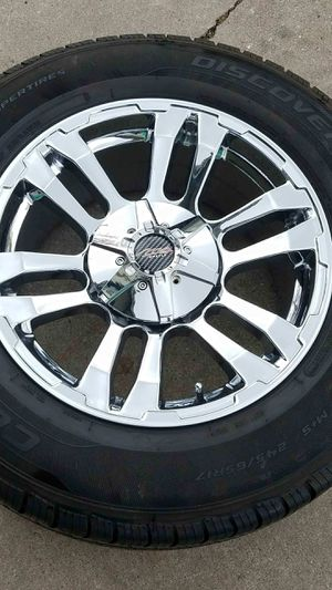 MB CHROME WHEEL SET 17 X 8.5 $400 for Sale in Sacramento, CA
