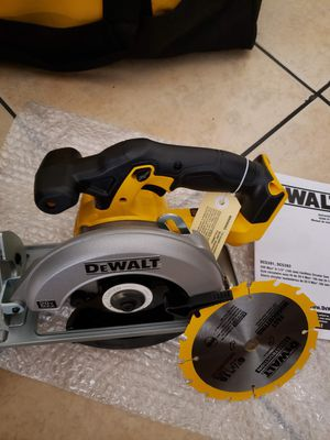 DEWALT 20-Volt 6-1/2 in. MAX Lithium-Ion Cordless Circular Saw (Tool-Only) for Sale in Anaheim, CA