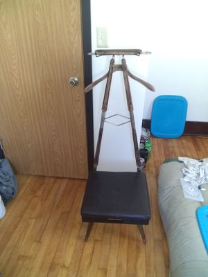 Antique Butler chair for Sale in Eau Claire, WI