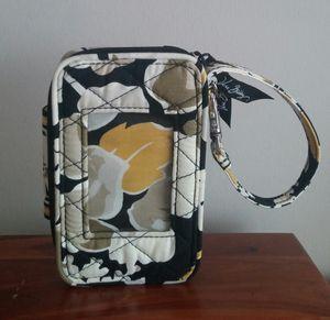 Vera Bradley Retired Dogwood Wristlet/Unused for Sale in MONTGOMRY VLG, MD