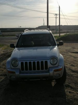Jeep liberty 2004 for Sale in San Diego, CA