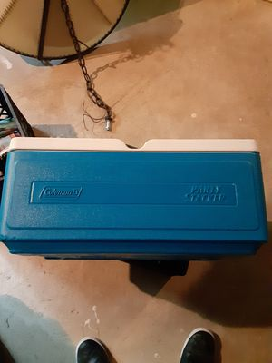 Coleman party starter cooler for Sale in Annapolis, MD
