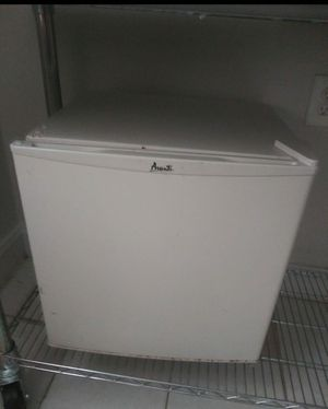 Small refrigerator for Sale in York, PA