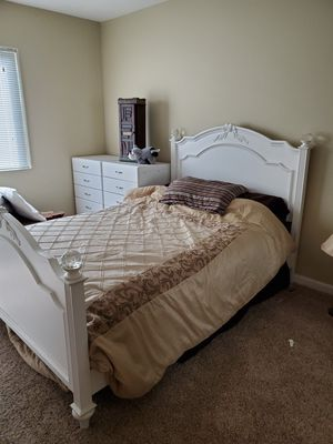 Full white bed frame with matress! for Sale in San Juan Capistrano, CA