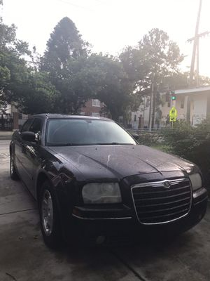 Chrysler 300 parts for Sale in Tampa, FL