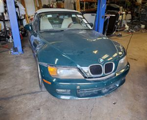 PARTING OUT 1997 BMW Z3 DARK GREEN for Sale in Irving, TX