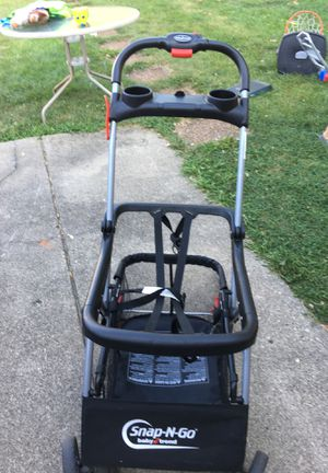 BABY TREND SNAP-N-GO CAR SEAT STROLLER for Sale in Melrose Park, IL