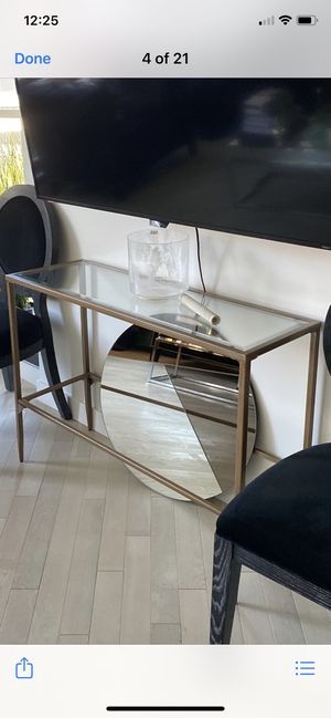 Entry table and Mirror!!! for Sale in Los Angeles, CA