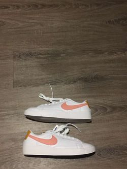 Nike Blazer Low Women's Summit White Pink Quartz AV9370112 Size 6 for Sale in Casselberry,  FL
