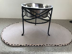 Dog bowl water mat for Sale in Joint Base Pearl Harbor-Hickam, HI