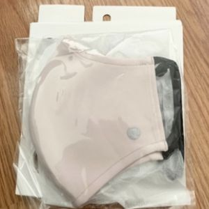 Lululemon Double Strap Face Mask Misty Pink NEW for Sale in Los Angeles, CA