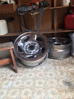 16 inc rims Dodge or a Ford 5 lugs for Sale in Greenville, SC