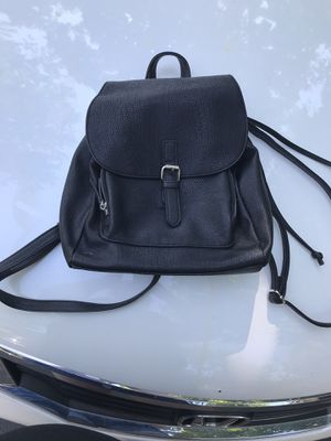 Black backpack for Sale in Riverwoods, IL