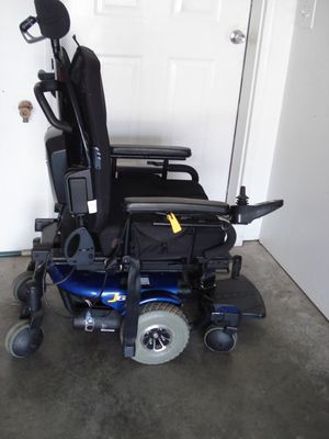 Jazzy J6 Power Wheelchair With Charger for Sale in Columbia, MO