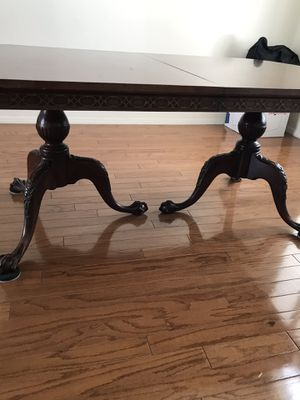Antique dining table w/6 chairs for Sale in RANCHO SUEY, CA