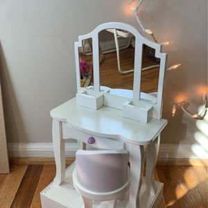 Doll Vanity And Chair for Sale in Columbia, MD
