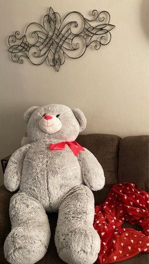 Giant teddy bear for Sale in Hemet, CA