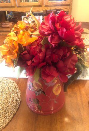 Decorative flower vase for Sale in Perris, CA