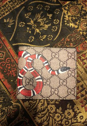 Gucci bifold wallet for Sale in Sanford, FL
