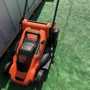 BLACK+DECKER 20 in. 13-Amp Corded Electric Walk Behind Push Lawn Mower (NO GRASS BAG) for Sale in La Habra, CA