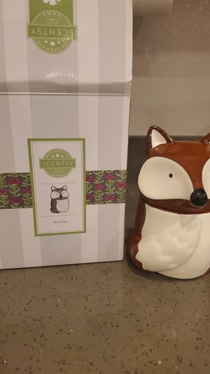 Scentsy Warmer Red Foxx for Sale in Las Vegas, NV
