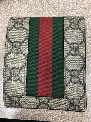 Gucci wallet for Sale in Guadalupe, AZ