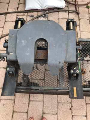 Fifth wheel hitch for Sale in West Palm Beach, FL