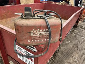 VINTAGE Johnson Mile Master Fuel Tank Outboard motor 4 gallon can 2 Hose Line -used for Sale in Troy, MI