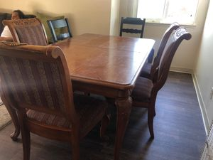 Kitchen table + 4 chairs for Sale in Mount MADONNA, CA