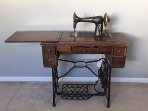 Antique Minnesota E. Sewing machine for Sale in Seminole, FL