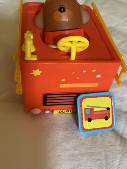 Hey Duggee rescue vehicle with rescue badge and figurine for Sale in Los Angeles,  CA