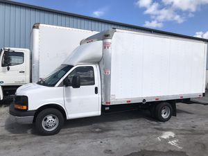 Chevy Chevrolet Express Cutaway 3500 for Sale in Hialeah, FL