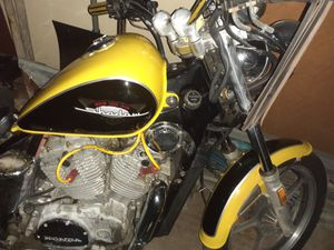 86 Honda Shadow vt700/750 for Sale in North Ridgeville, OH