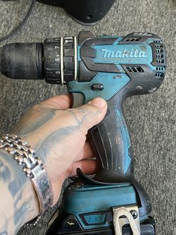 On sale makita drill 1/2(13mm) BL motor 2 speeds comes whit battery $$$70 dollars firm price for Sale in Alameda,  CA