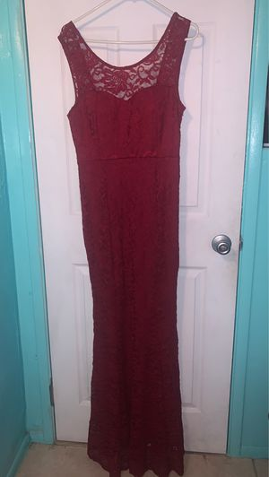 Burgundy Long Dress/ Size L / Prom, Formals for Sale in Inglewood, CA