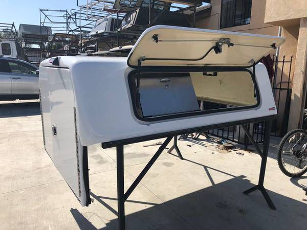 F3-002 USED Snug Top CHU Camper Shell for Toyota