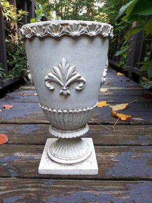 Fancy Pot for Sale in Greenville, SC
