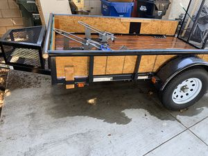 2018 3 motorcycle trailer 5.5*9 for Sale in Rowland Heights, CA