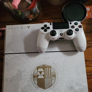 Play Station 4 ( White ) Destiny 2 Edition 1 TB for Sale in Los Angeles, CA