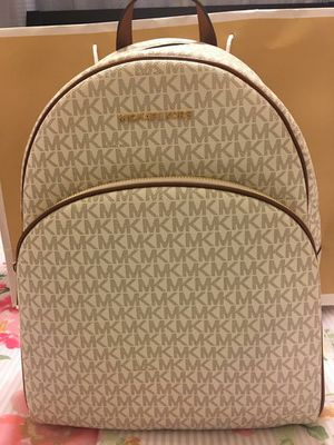 New Authentic Michael Kors Large Backpack for Sale in Bellflower, CA