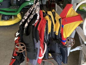 Assorted Life Jackets (8) plus 1 dog life jacket for Sale in Canyon Lake, TX