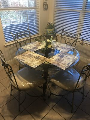 Glass kitchen table for sale with 4 chairs for Sale in Mansfield, TX