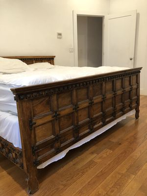Moving to LA Selling high end furniture at discounted price for Sale in Brooklyn, NY